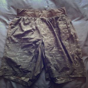 Men's Lululemon THE short with luxtreme liner